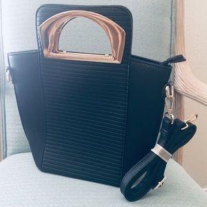NWOT ASOS Crossbody Black And Gold Ribbed Bag
